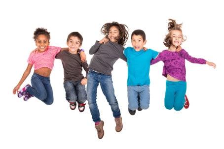 Barn som hoppar